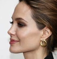 strong female jawline
