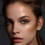 female-high-cheekbone-look